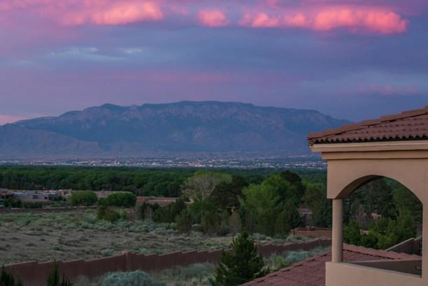 Custom, Detached - Albuquerque, NM (photo 3)