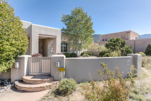 Custom,Pueblo, Detached - Albuquerque, NM (photo 2)