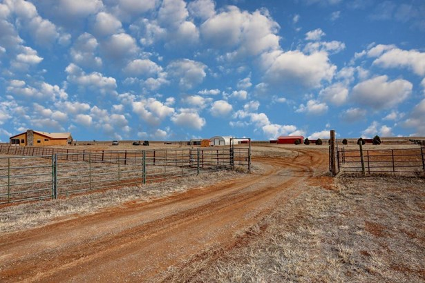 Ranch, Detached - Edgewood, NM (photo 3)