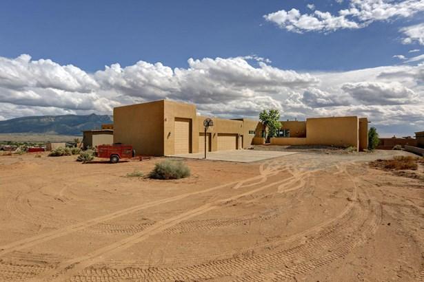 Pueblo,Ranch, Detached - Rio Rancho, NM (photo 3)