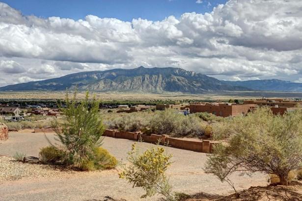 Pueblo,Ranch, Detached - Rio Rancho, NM (photo 4)