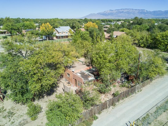 Fixer Upper, Detached - Albuquerque, NM (photo 1)
