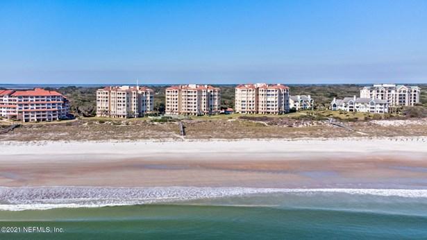 Condominium - FERNANDINA BEACH, FL