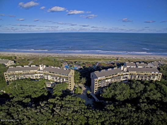 Condominium, Multi Level Unit - FERNANDINA BEACH, FL (photo 1)