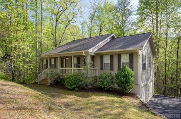 1 Story,Traditional, Single Family Home,1 Story,Traditional - Sapphire, NC
