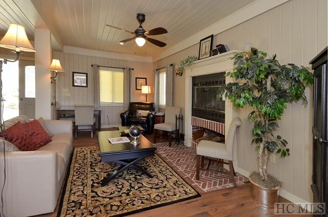 3 Story,Tudor, Single Family Home,3 Story,Tudor - Glenville, NC (photo 4)