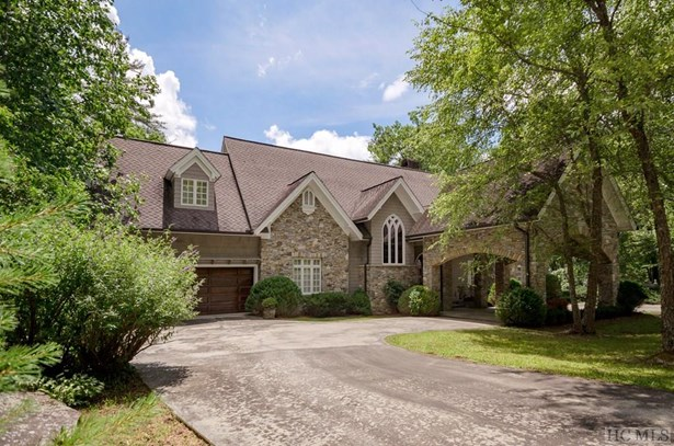 Single Family Home,2 Story,Traditional, 2 Story,Traditional - Sapphire, NC (photo 2)