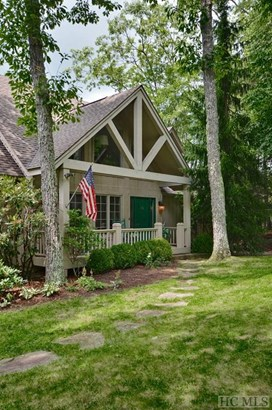 Single Family Home,2 Story,Traditional, 2 Story,Traditional - Sapphire, NC (photo 3)