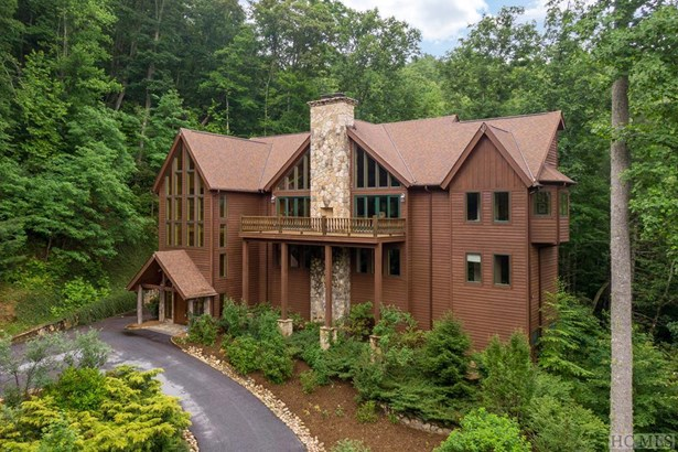 Single Family Home,3 Story, 3 Story - Sapphire, NC