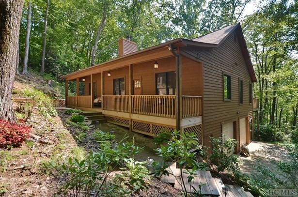 Single Family Home,2 Story, 2 Story - Sapphire, NC (photo 4)