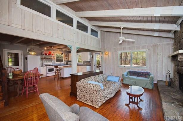 Single Family Home,2 Story, 2 Story - Glenville, NC (photo 4)