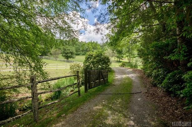 2 Story,Farmhouse, Single Family Home,2 Story,Farmhouse - Glenville, NC (photo 3)