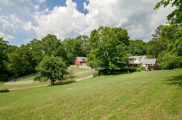 2 Story,Farmhouse, Single Family Home,2 Story,Farmhouse - Glenville, NC (photo 5)