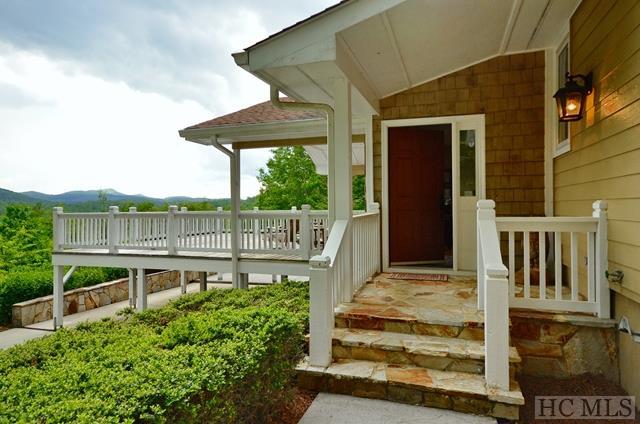 Single Family Home,Split Level,Traditional - split Level,Traditional,Other-See Remarks (photo 2)