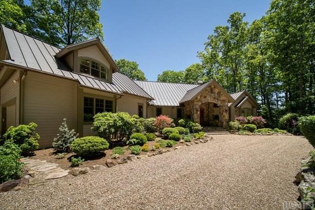 Single Family Home,2.5 Story, 2.5 Story - Cashiers, NC (photo 4)