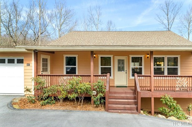 Single Family Home,Traditional, Traditional - Sapphire, NC (photo 3)