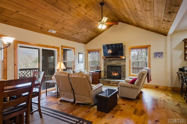 Single Family Home,Traditional, Traditional - Sapphire, NC (photo 4)