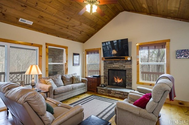 Single Family Home,Traditional, Traditional - Sapphire, NC (photo 5)