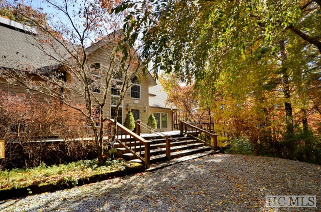 Single Family Home,3 Story, 3 Story - Cashiers, NC (photo 3)