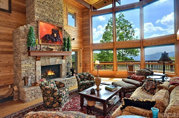 Single Family Home,Tri-level, Tri-Level - Scaly Mountain, NC