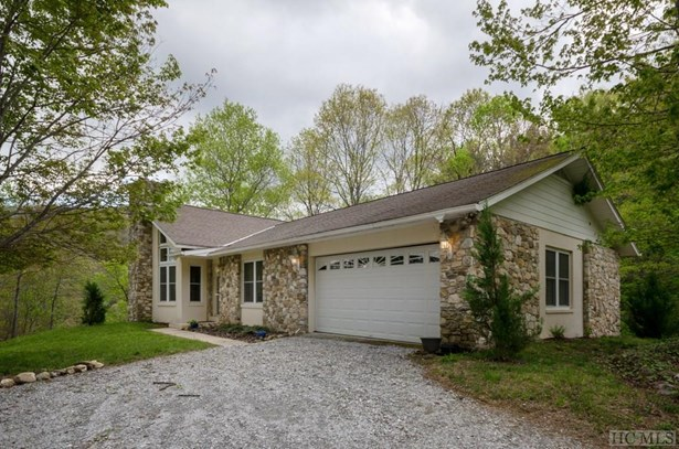 Single Family Home,2 Story,Traditional, 2 Story,Traditional - Glenville, NC (photo 4)