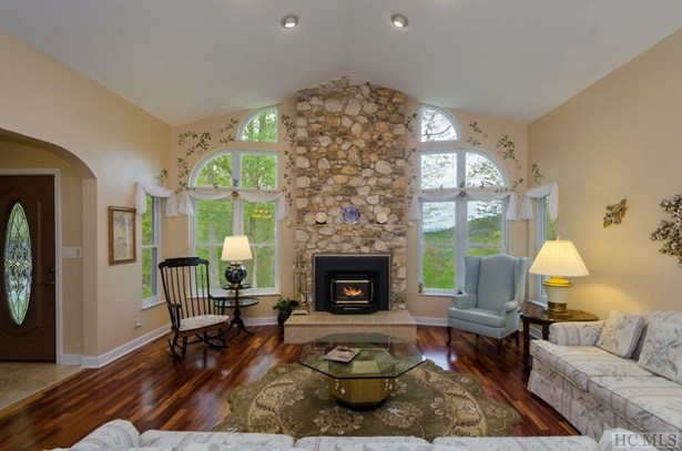 Single Family Home,2 Story,Traditional, 2 Story,Traditional - Glenville, NC (photo 5)