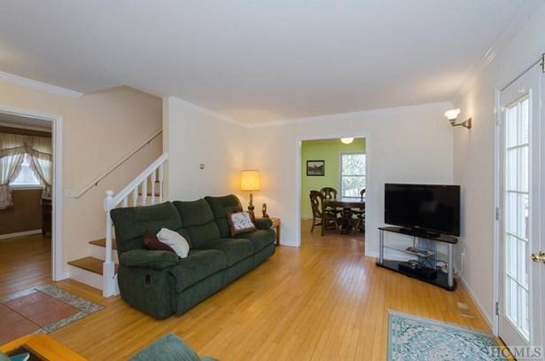 Single Family Home,2 Story, 2 Story - Glenville, NC (photo 5)
