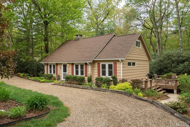 1.5 Story,Cottage/Bungalow - Single Family Home,1.5 Story,Cottage/Bungalow