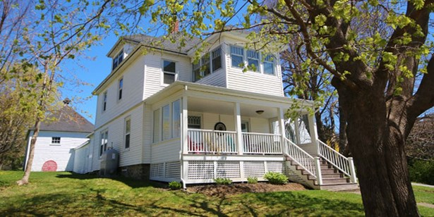 38 Victoria Avenue, Weymouth, NS - CAN (photo 1)