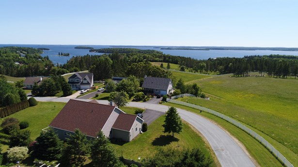 80 East Wind Drive, Chester, NS - CAN (photo 3)