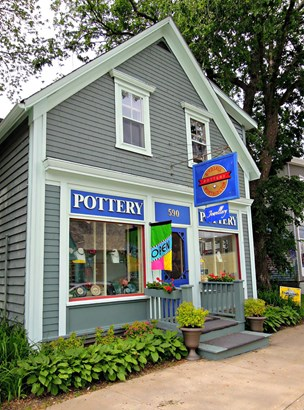 590 Main Street, Mahone Bay, NS - CAN (photo 1)