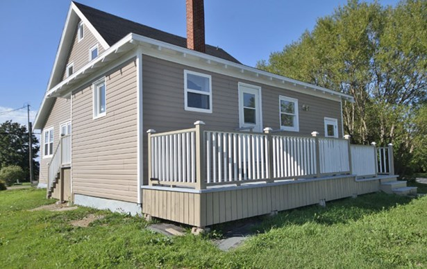 2046 Highway 1, Church Point, NS - CAN (photo 2)