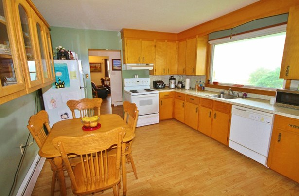 5390 Highway 1, Salmon River, NS - CAN (photo 5)