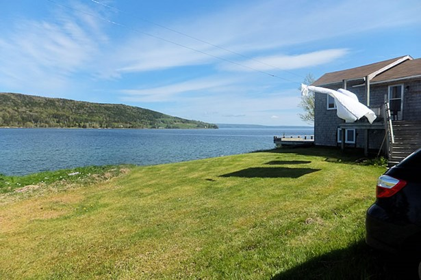 964 Old Highway 205, Baddeck Bay, NS - CAN (photo 2)