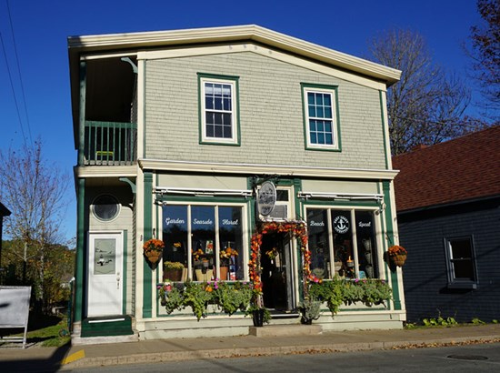 525 Main Street, Mahone Bay, NS - CAN (photo 1)