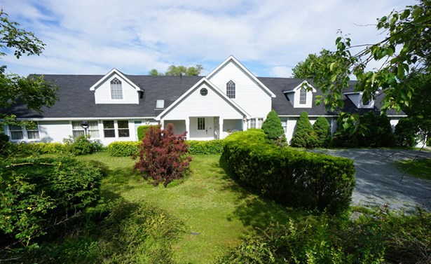 196 Victoria Street, Chester, NS - CAN (photo 1)