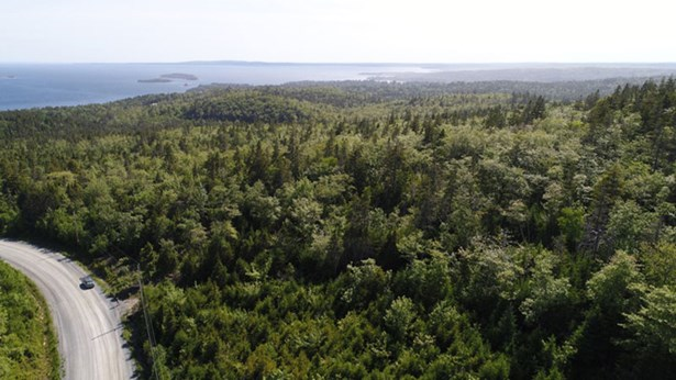 242 Toni Avenue, Boutiliers Point, NS - CAN (photo 2)