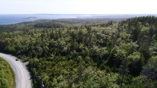 242 Toni Avenue, Boutiliers Point, NS - CAN (photo 3)