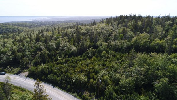 242 Toni Avenue, Boutiliers Point, NS - CAN (photo 4)