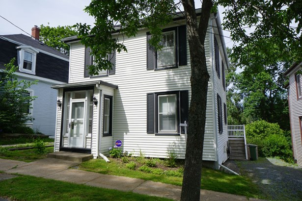 42 Dufferin Street, Lunenburg, NS - CAN (photo 1)