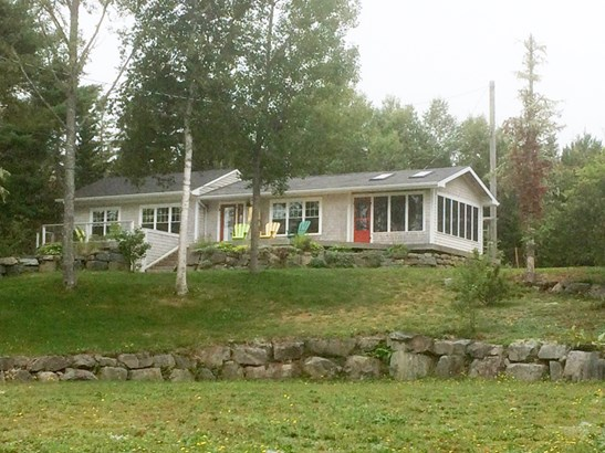 130 Borgalds Point Road, Chester Basin, NS - CAN (photo 1)