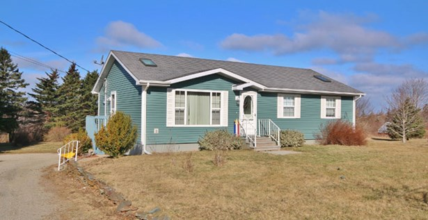 8765 Route 1, Meteghan River, NS - CAN (photo 1)