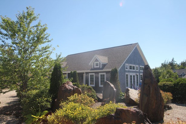 8 Starboard Midship Close, Deep Cove, NS - CAN (photo 1)