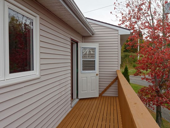 545 South Broadway Avenue, Cornwallis Park, NS - CAN (photo 3)