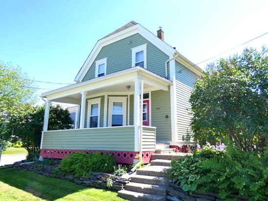 206 Lawrence Street, Lunenburg, NS - CAN (photo 1)