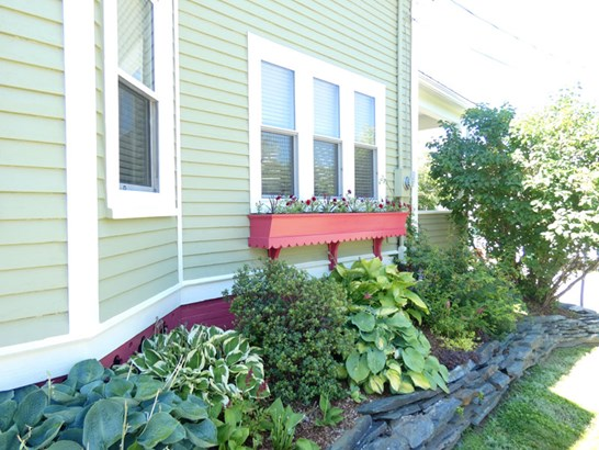 206 Lawrence Street, Lunenburg, NS - CAN (photo 4)