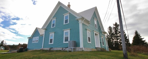 6860 Route 1, Gilberts Cove, NS - CAN (photo 2)