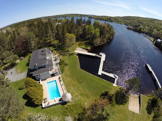 35 Sunnywood Road, Head Of St. Margaret's Bay, NS - CAN (photo 1)