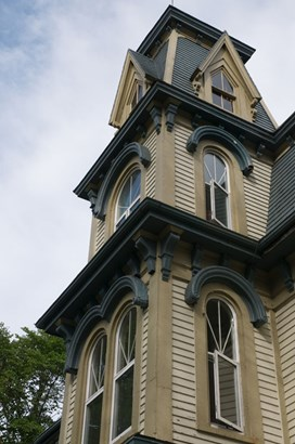 10 Falkland Street, Lunenburg, NS - CAN (photo 2)