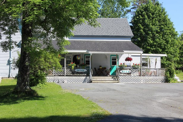 167 Victoria Road, Lunenburg, NS - CAN (photo 1)